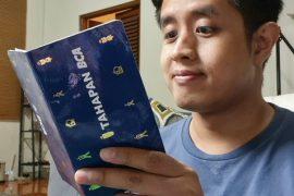 Yang membuatnya tertawa, berbagai aksi netizen mengawali pembacaan buku karya Ala Anees Paswadeen