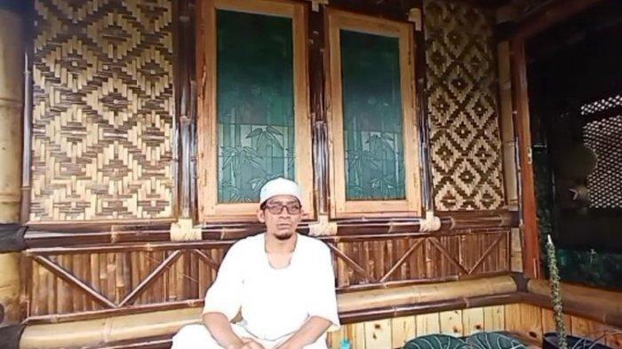 Wawan Malik Marwan, pemimpin Front Perjuangan Islam Kabupaten Siam.  வவன்