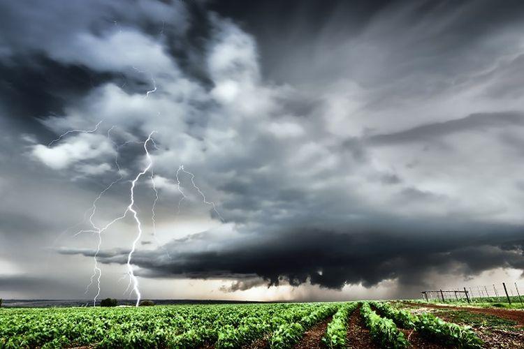 Ramalan cuaca ekstrim, cuaca buruk, peringatan cuaca dini